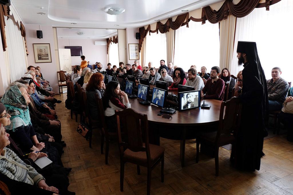 Иеромонах Пантелеимон рассказывает о книге «Житие преподобного Паисия Святогорца» в Астраханской научной библиотеке